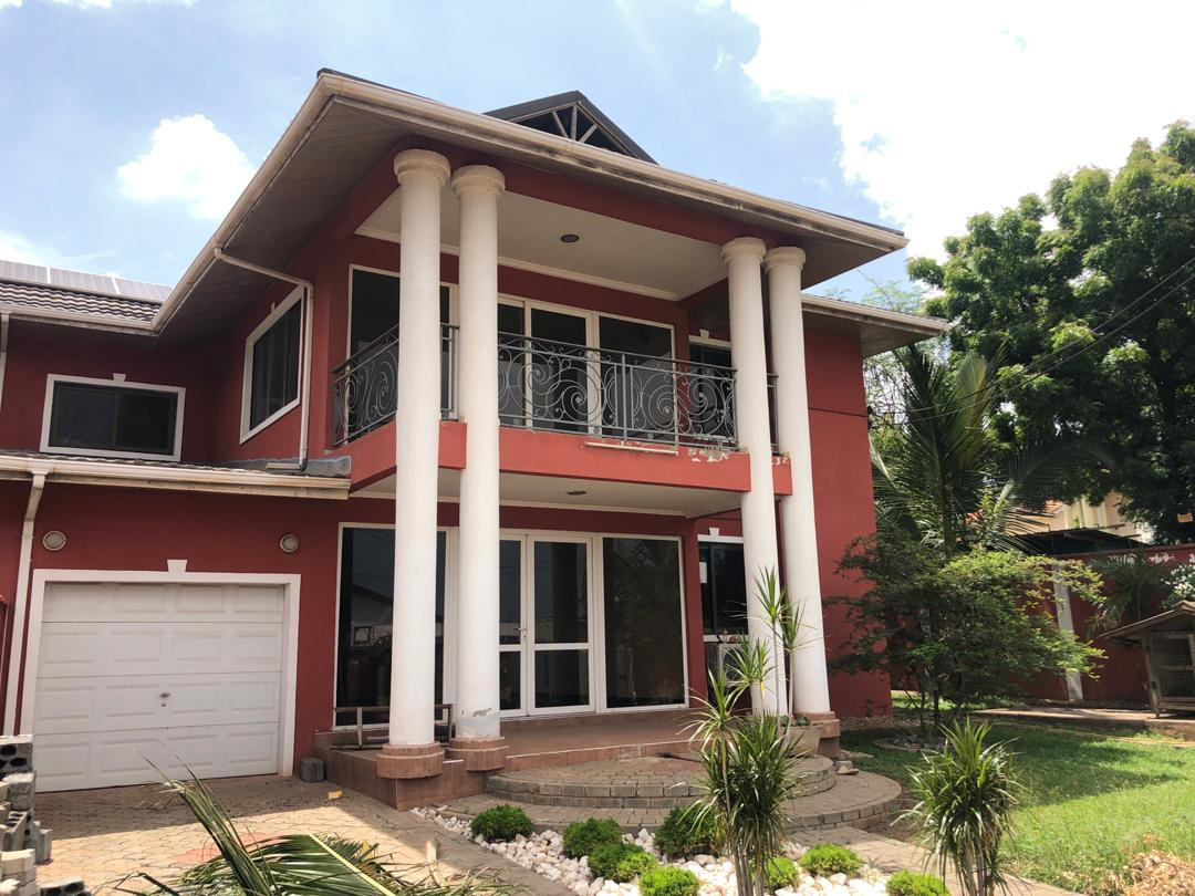 4 bedroom house to let at East legon