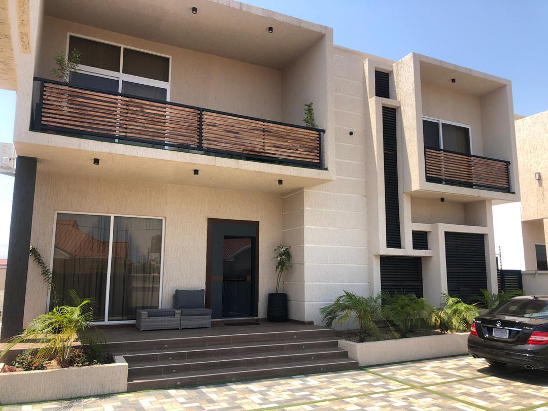 Newly built furnished 4 bedroom house for sale at West Trassaco