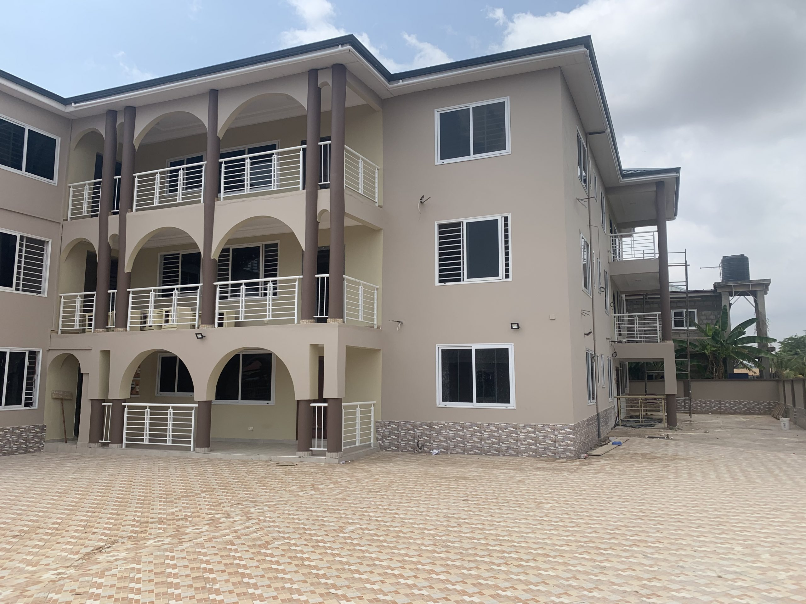New 2 bedroom apartments for rent at Adjiriganor